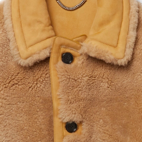Full look Are you Karl? Shearling jacket från Burberry