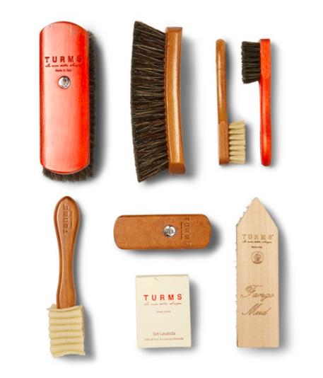 Klädvård - Turms Complete Shoe Care Kit With Wood Case Selection