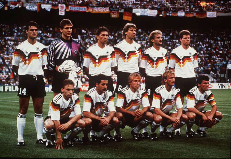 Historiska referenser och futurism bland matchtröjorna i VM