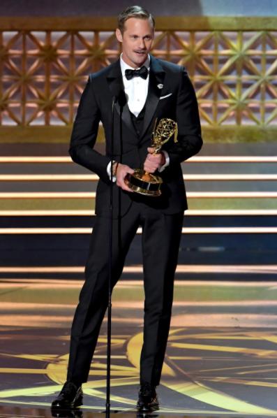 Alexander Skarsgård in Ermengildo Zegna Couture and Omega watch at Emmys 2017
