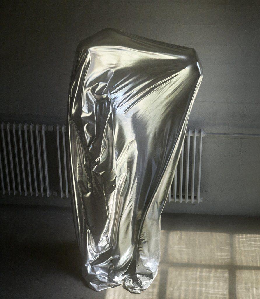 Magniberg Body in metallic duvet by Casper Sejersen