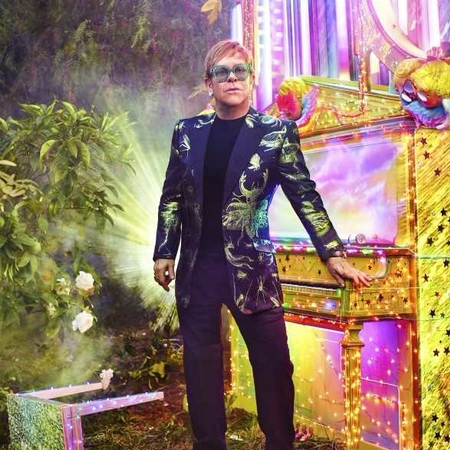 Elton John Farewell Yellow Brick Road tour wearig Gucci 2