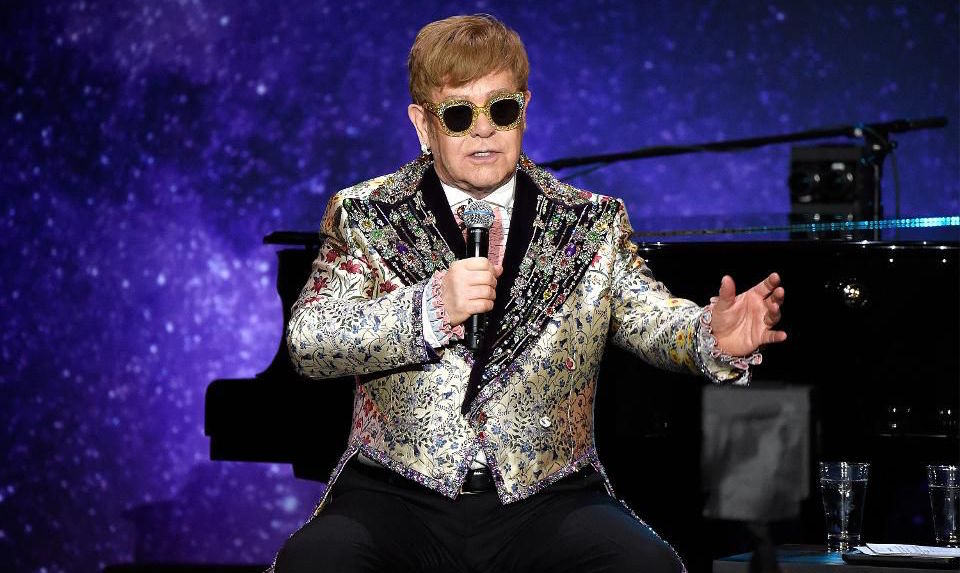 Elton John kommer bära Gucci på sin avskedsturné