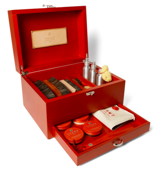 Klädvård - Turms Complete Shoe Care Kit With Wood Case open