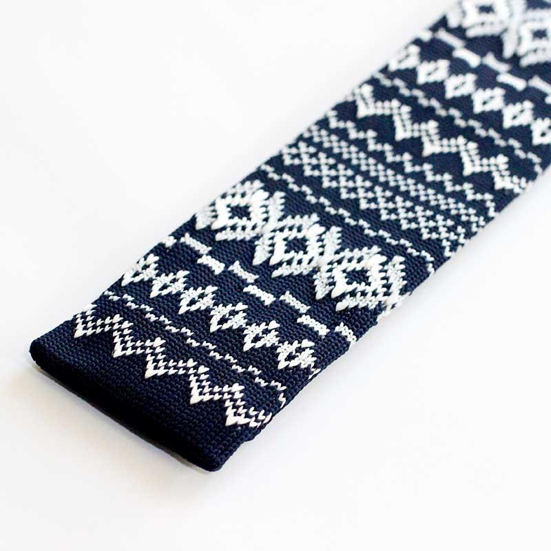 Snygga slipsar stickad blå julslips från Manfred