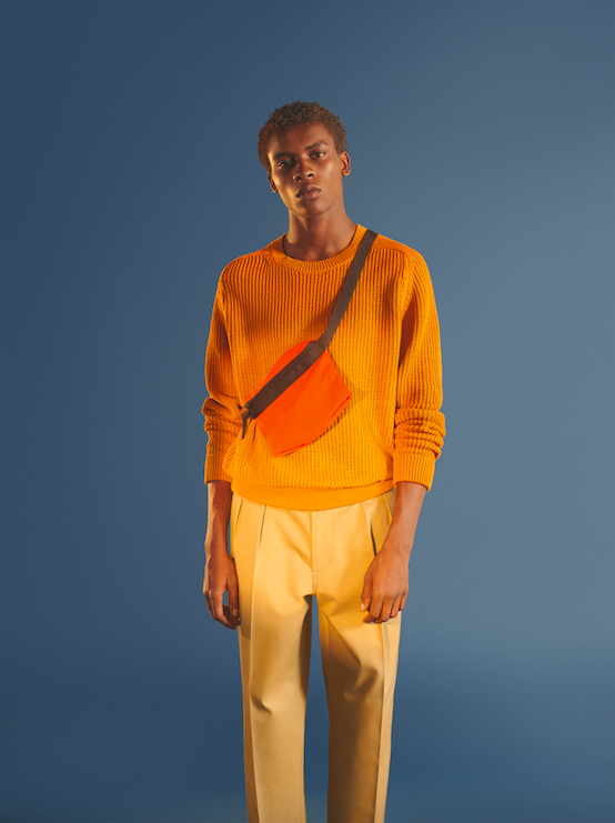Uniqlo U av Christophe Lemaire orange axelväska