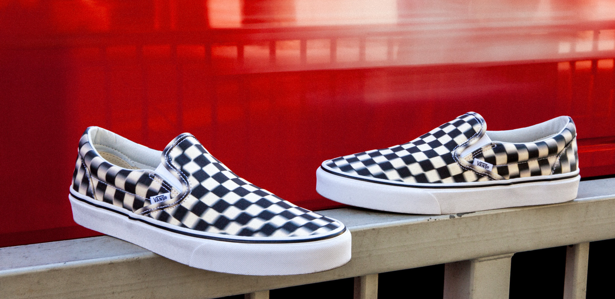 Vans Checkerboard Slip-On i suddig tolkning
