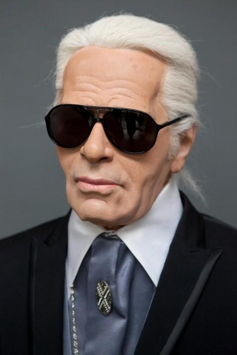Karl Lagerfeld i stora svarta glasögon