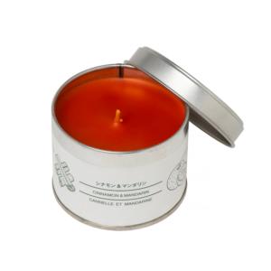 Julklapp - Tin Candle Cinnamon and Mandarin från Muji