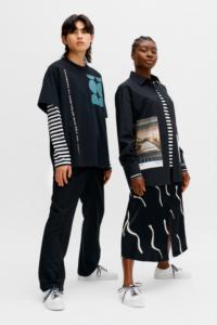 Marimekko co-created svart t-shirt